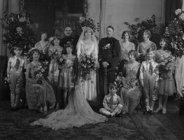 Edward Percy Aymer Des Graz, Rhona Felicia des Graz (née Lloyd Mostyn) and wedding party, by Lafayette (Lafayette Ltd), 28 October 1929 - NPG x184628 - © National Portrait Gallery, London
