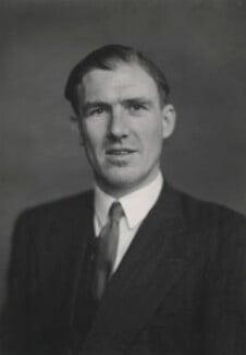 Dennis Forwood Vosper, Baron Runcorn, by Walter Stoneman - NPG x185838