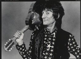 Ronnie Wood, by Bob Carlos Clarke - NPG x137384