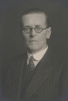 Harry Scott Newlands, by Walter Stoneman - NPG x186830