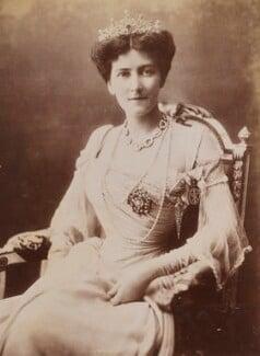 Mary Victoria (née Leiter), Lady Curzon of Kedleston, by Bourne & Shepherd - NPG P1700(65b)