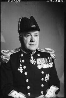 Sir Edward Wilfrid Harry Travis, by Walter Stoneman - NPG x188410