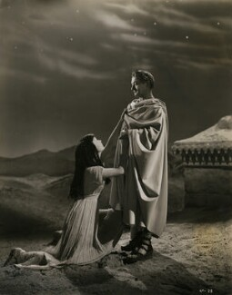 Vivien Leigh as Cleopatra; Claude Rains as Julius Caesar in 'Caesar and Cleopatra', by Wilfrid Newton - NPG x137524