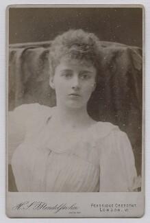 Helen Venetia (née Duncombe), Viscountess D'Abernon, by Hayman Seleg Mendelssohn - NPG x137561