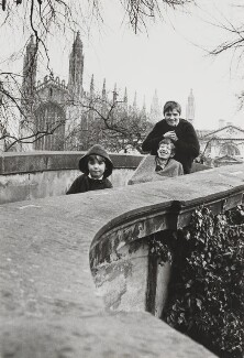 Stephen Hawking with his sons, by Lord Snowdon - NPG P1884