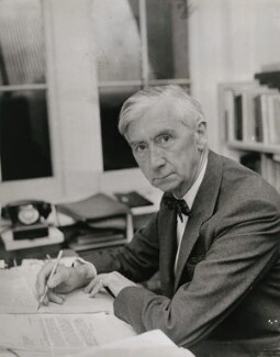 Herbert Read, by Keystone Press Agency Ltd - NPG x137622