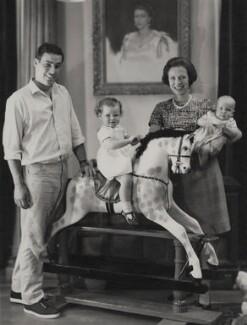 Paul Munro Gunn and family, by Paul Laib - NPG x137746