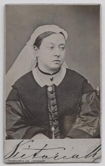 Queen Victoria, by London Stereoscopic & Photographic Company - NPG x36263