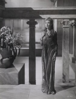 Vivien Leigh as Cleopatra in 'Caesar and Cleopatra', by Wilfrid Newton - NPG x137971