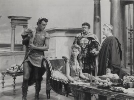 Stewart Granger; Vivien Leigh; Basil Sydney and Claude Rains in 'Caesar and Cleopatra', by Wilfrid Newton - NPG x137981