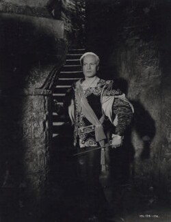Laurence Olivier as Hamlet in 'Hamlet', by Unknown photographer - NPG x137989