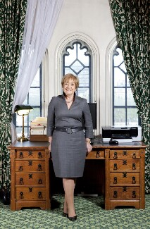 Margaret Eve Hodge, by Nancy Honey - NPG x137957