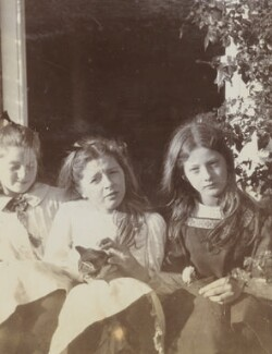 Julia Frances Strachey and friends, by Unknown photographer - NPG Ax160815