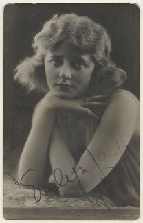(Elsie) Evelyn Laye, by Bassano Ltd, published by  Rotary Photographic Co Ltd - NPG x193885