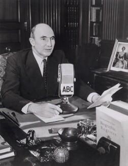 Roger Mellor Makins, 1st Baron Sherfield, by Keystone Press Agency Ltd - NPG x194184