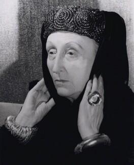 Edith Sitwell, by Keystone Press Agency Ltd - NPG x194189