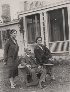 Lillian Ward; Ramsay MacDonald; Ishbel MacDonald, by P & A Photos - NPG x139625