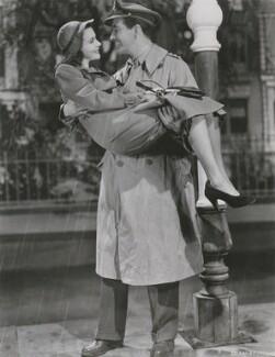 Vivien Leigh as Myra and Robert Taylor as Roy Cronin in 'Waterloo Bridge', possibly by Robert Coburn - NPG x139798