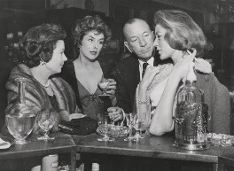 Vivien Leigh; Kay Kendall; Sir Noël Coward; Lauren Bacall, by Keystone Press Agency Ltd - NPG x139808