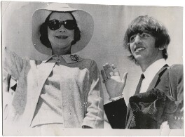 Vivien Leigh and Ringo Starr at London Aiport, by Unknown photographer - NPG x139809