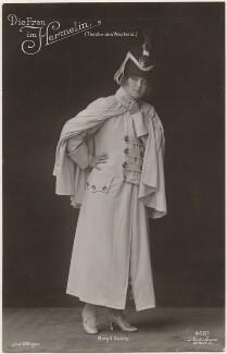 Margit Suchy in 'Die Frau im Hermelin', by Willinger (Margaret Willinger), published by  Photochemie - NPG x139768