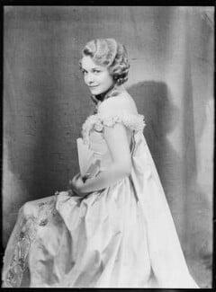 Madeleine Carroll as Lady Teazle in 'School for Scandal', by Dudley Glanfield - NPG x198670