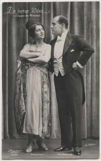 Magda Almo and Carl Grünwald in 'The Merry Widow', by Willinger (Margaret Willinger), published by  Photochemie - NPG x139845