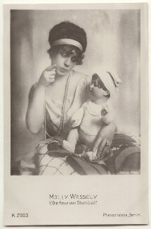 Molly Wessely in 'Die Rose von Stambul', probably by Frieda Riess, published by  Photochemie - NPG x139948