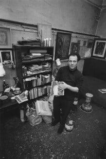 Frank Auerbach, by Bob Collins - NPG x199363