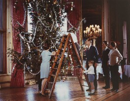'Christmas at Windsor Castle, decorating the tree', by Joan Williams - NPG x199582