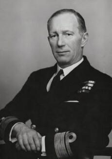Sir Stephen Hope Carlill, by Elliott & Fry - NPG x196238