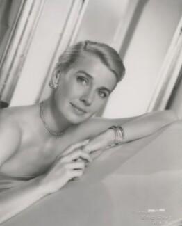 Betsy Drake, by Eric Gray - NPG x199810