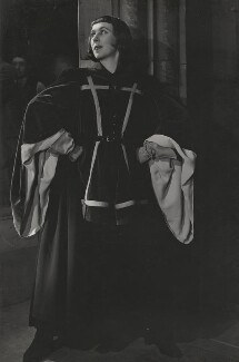 Gwen Ffrangcon-Davies as 'Chorus' in 'Henry V', by Angus McBean - NPG x194428