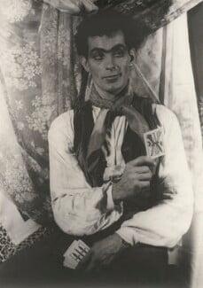 Hugh Laing (né Hugh Skinner), by Carl Van Vechten - NPG x194433