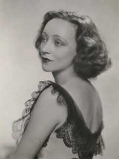 Anny Ahlers, by Dorothy Wilding - NPG x194482
