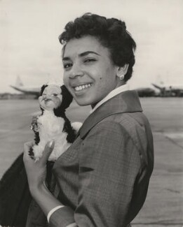 Shirley Bassey, for Central Press - NPG x194485