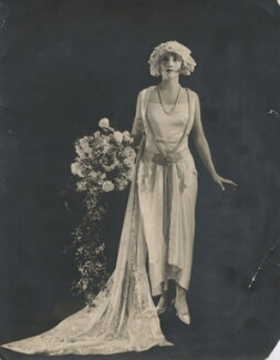 Dorothy Dickson, by Dorothy Wilding - NPG x194492