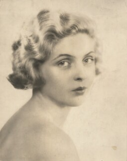 Dorothy Hyson, by Dorothy Wilding - NPG x194495