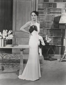 Margaret Rawlings (Lady Barlow) as Liza Kingdom in 'The Old Folks At Home', by Sasha (Alexander Stewart) - NPG x198303