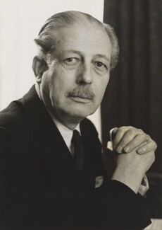 Harold Macmillan, 1st Earl of Stockton, by Lord Snowdon - NPG x200832