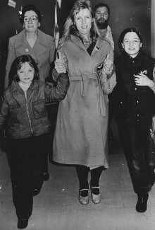Stella McCartney; Linda McCartney; Mary McCartney, by Unknown photographer - NPG x198451