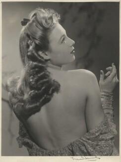 Sandra Dorne (Joan Smith), by Fred Daniels - NPG x198511