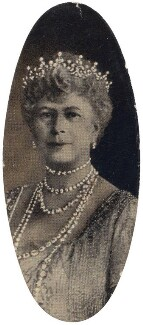Queen Mary, by Hay Wrightson, issued by  Carreras Tobacco Company - NPG D49294