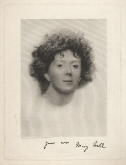 Mary Elizabeth Mohl (née Clarke), by Annan and Swan - NPG D7823