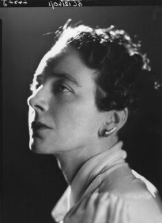Gladys Calthrop, by Howard Coster - NPG x10236