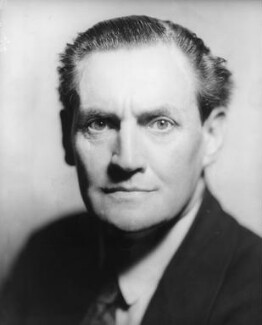 Henry Hinchliffe Ainley, by Howard Coster, July 1929 - NPG x10298 - © National Portrait Gallery, London
