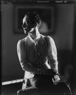 Gladys Calthrop, by Howard Coster - NPG x10501