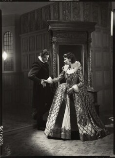 Laurence Kerr Olivier, Baron Olivier as Michael Ingolby and Vivien Leigh as Cynthia in 'Fire Over England', by Howard Coster - NPG x19530