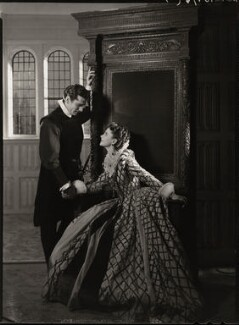 Laurence Kerr Olivier, Baron Olivier as Michael Ingolby and Vivien Leigh as Cynthia in 'Fire Over England', by Howard Coster - NPG x23964