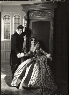 Laurence Olivier as Michael Ingolby and Vivien Leigh as Cynthia in 'Fire over England', by Howard Coster - NPG x23965